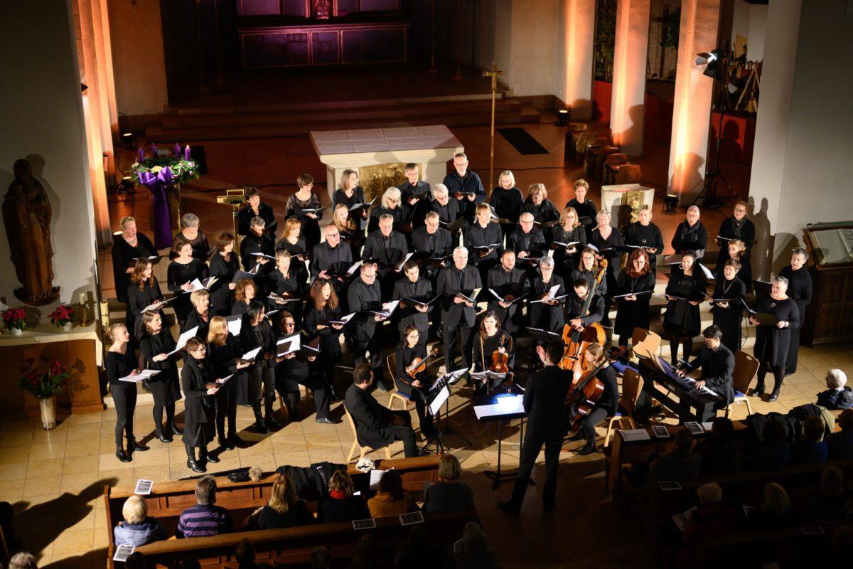 Der Chor beim Adventskonzert 2019